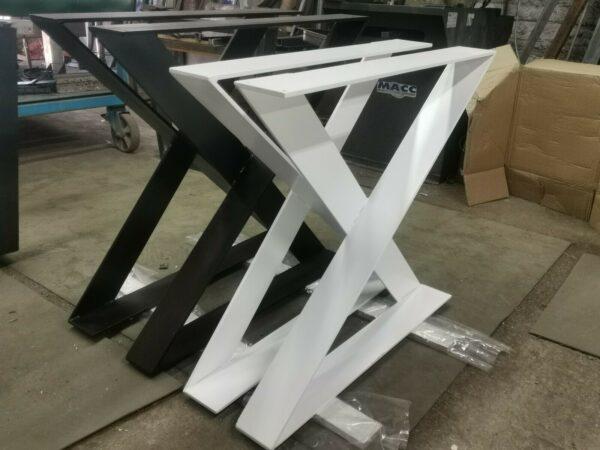 2x gambe per tavolo in ferro forma a clessidra. anche su misura.